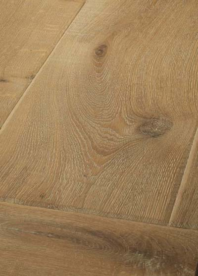 10 Oak Emperior Plank - original surfice brushed, hand-bevelled, lyed and oiled