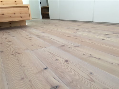 Mountain larch brushed white oiled - 2200x186x15mm