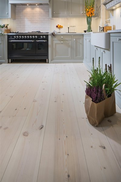 Pine brushed white oiled - 2000x205x14mm